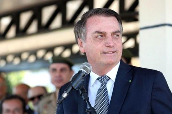 """Bolsonaro disse vai indicar nome """"terrivelmente evangélico""""para o STF"""